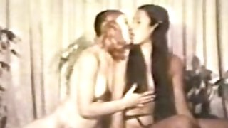 LEZZY Peepshow Loops 536 70s and 80s - Scene two