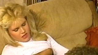 Hot blondes - Scene three