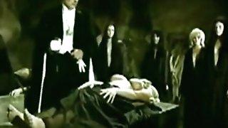 Santo Y El Vampiro (censored Scene)